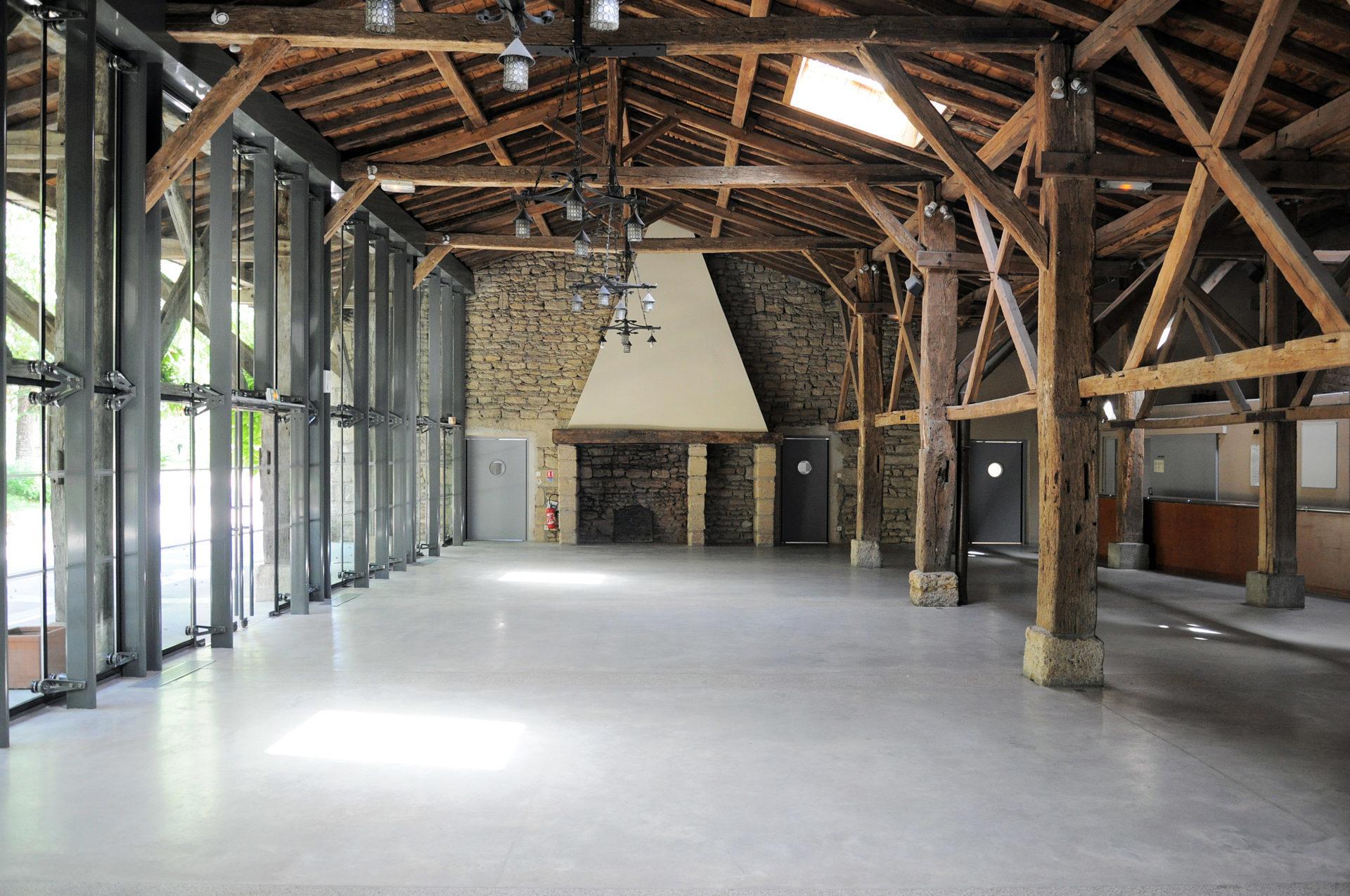 16.41 Cuisine salle des Arènes Doué-La-Fontaine (2)