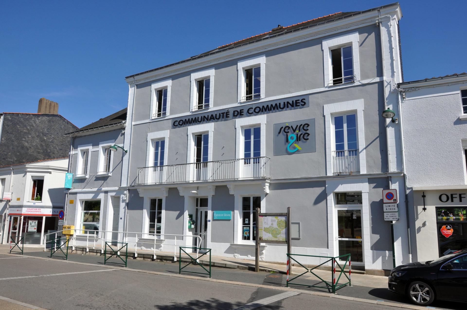 16.24 Bureaux Espace Antoine Guilbaud (2)